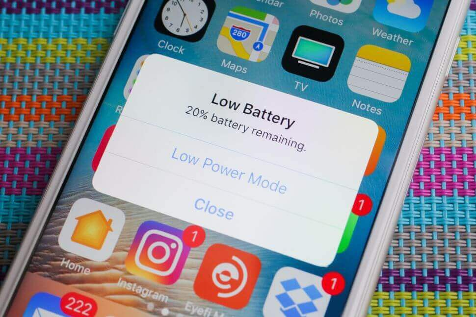 Apple apologises for slowing older iPhones